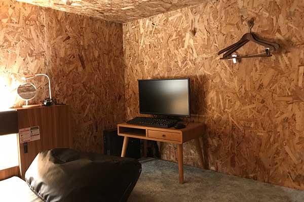 くつろげる広い室内 マットレスは西川製 を使用